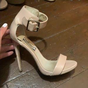 Steve Madden heels size 6
